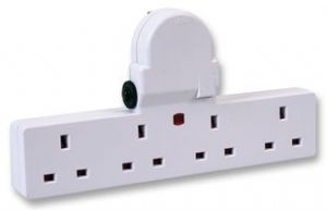 PRO ELEC - Switched 4 Way Adapter with Curcuit Breakers
